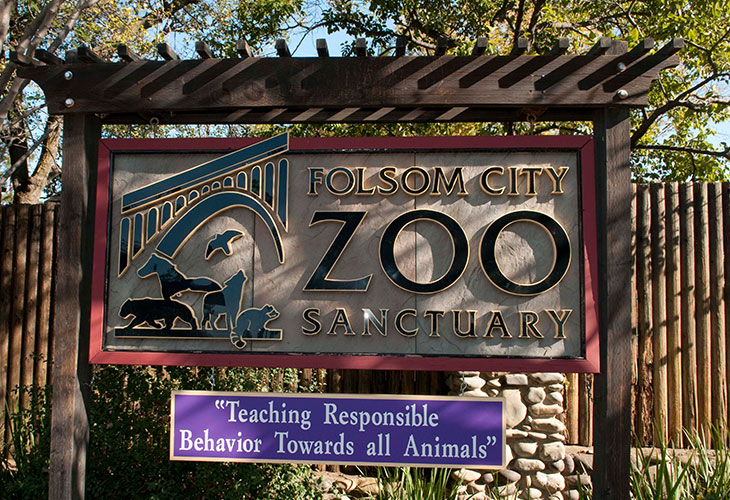 Folsom Zoo Welcome sign
